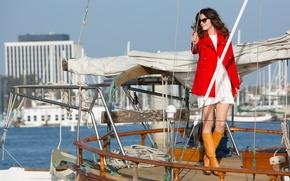 Картинка яхта, Мишель Монахэн, Michelle Monaghan, в красном, мелодрама, пальто, Playing It Cool, Сердце вдребезги