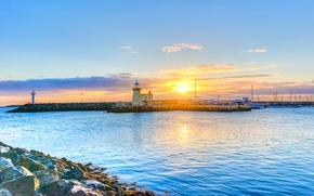 Картинка море, небо, солнце, облака, лучи, закат, камни, маяк, пирс, Ирландия, мол, Дублин