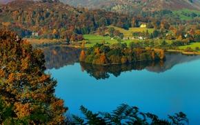 Картинка осень, озеро, холмы, остров, Англия, деревня, England, Озёрный край, Cumbria, Камбрия, фьельды, озеро Грасмир, Lake …