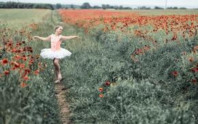 Обои поле, маки, танец, девочка