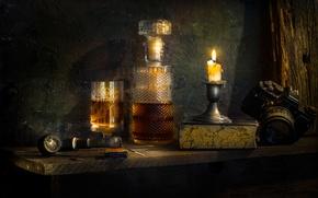 Картинка стакан, бутылка, свеча, трубка, фотоаппарат, книга, What's in the decanter