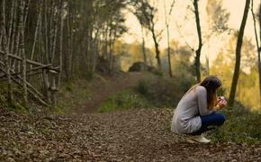 Картинка девушка, лес, тропа