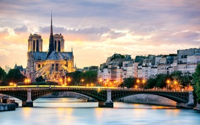 Картинка деревья, мост, город, река, Франция, Париж, здания, дома, вечер, крыши, освещение, фонари, Сена, Paris, Собор ...