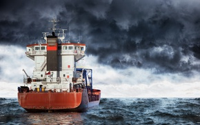 Картинка море, волны, небо, тучи, пасмурно, корабль, горизонт, танкер, непогода