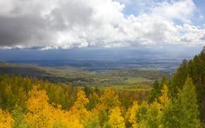 Картинка осень, лес, небо, облака, деревья, горы, долина