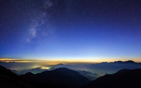 Обои звездное небо, город, огни, вид, ночь, холмы, облака, звезды, высота