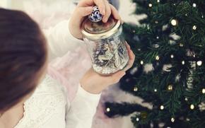 Обои новый год, елка, девушка, банка