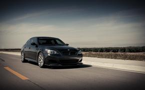 Обои небо, облака, чёрный, бмв, BMW, black, передняя часть, E60