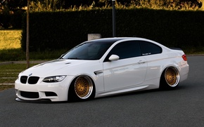 Картинка bmw, бмв, turbo, white, wheels, tuning, power, front, face, germany, low, e92, stance