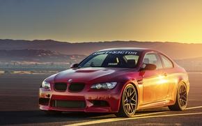 Картинка закат, бмв, BMW, red, красная, front, E92, взлетно-посадочная полоса