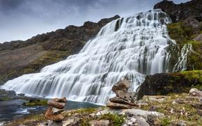Картинка скала, камни, водопад, мох, каскад, Исландия, Фьядльфосс