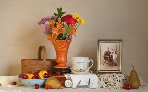 Картинка цветы, вишня, лимон, фотография, часы, чашка, груша, натюрморт
