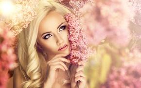 Картинка взгляд, девушка, цветы, макияж, блондинка, сирень