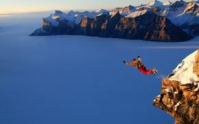 Картинка снег, горы, прыжок, парашютист, высота.
