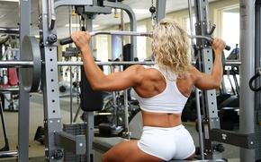 Картинка девушка, спорт, фигура, шортики, мышцы, бодибилдер, культуристка, тренажор