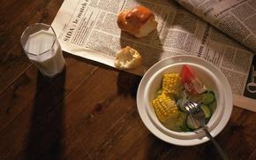 Обои кукуруза, помидор, огурцы, булочка, салат