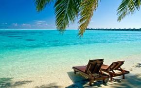 Картинка песок, море, лето, вода, океан, берег, пейзажи, кресла, шезлонги, пляжи