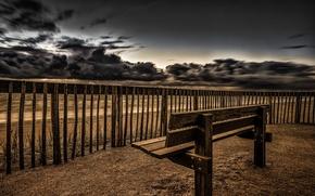 Картинка море, небо, забор, скамья