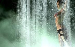 Картинка купальник, девушка, поза, оружие, игра, водопад, Tomb Raider, lara croft