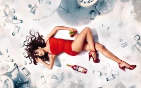 Картинка красное, стулья, реклама, платье, актриса, столы, лежит, Penelope Cruz, продюсер, Пенелопа Крус, соль, Campari