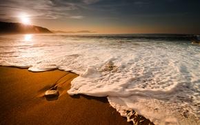 Обои море, волны, небо, пена, вода, горы, природа, скала, пузыри, камни, океан, скалы, стихия, берег, побережье, ...