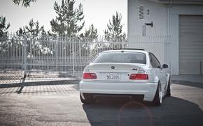 Картинка белый, здание, бмв, BMW, white, блик, E46