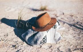 Картинка песок, трава, шляпа