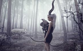 Картинка лес, девушка, деревья, орел, волк, лук, рога, стрелы, охотник, арбалет