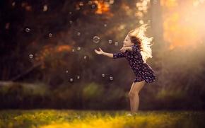 Картинка платье, мыльные пузыри, девочка, солнечный свет