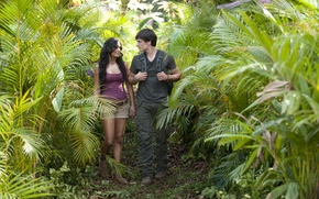 Обои Путешествие 2: Таинственный остров, Vanessa Anne Hudgens, Джош Хатчерсон, тропа, Ванесса Энн Хадженс, Josh Hutcherson, ...