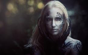 Картинка взгляд, девушка, лицо, стиль, темный фон, магия, узор, женщина, портрет, монстр, мистика, руки, макияж, тату, …