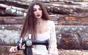 Картинка девушка, швейная машинка, Inese Stoner, The Story of a Seamstress