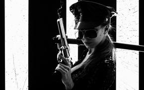 Картинка девушка, катана, очки, черно-белое, револьвер, коп, cop