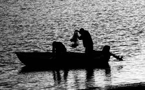 Обои черно-белая, люди, вода, лодка, рыбалка