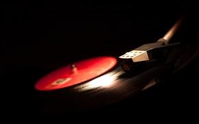 Картинка ретро, black background, vinyl, звук, музыка, instrument, проигрыватель, инструмент, макро, пластинка, wallpaper., музыкальный, боке, размытость, ...