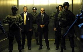 Картинка очки, лифт, актер, сериал, наручники, персонаж, винтовки, преступник, агенты, ФБР, NBC, TV show, Джеймс Спейдер, …