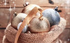 Картинка шарики, серебристые, Новый Год, лента, праздник, елочные, игрушки, украшения, мешок, золотые, шары, Рождество, новогодние