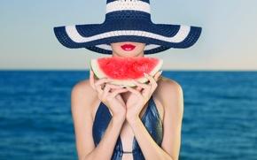 Картинка море, девушка, шляпа, макияж, арбуз, горизонт, губы