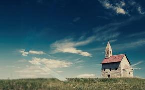 Картинка поле, небо, трава, облака, церковь