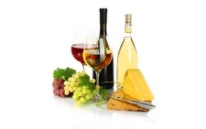 Обои сыр, белое, бокалы, бутылки, виноград, вино, красное