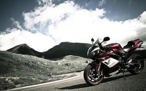 Картинка небо, горы, красный, мотоцикл, red, yamaha, bike, ямаха, yzf-r1