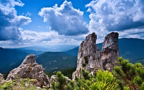 Картинка небо, облака, деревья, горы, скалы, кустарник