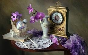 Картинка цветы, часы, текстура, духи, книга, флакон, ваза, натюрморт, платок, орхидея, винтаж, салфетка