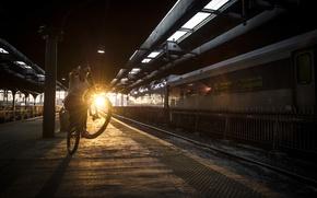 Картинка закат, улица, поезд, железная дорога, sunshine, street, red bull, mtb, ride, Tom Oehler, manual