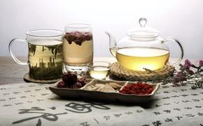 Обои цветы, кружка, зеленый, чай, ягоды, иероглифы, стакан, заварник, пиала, фруктовый