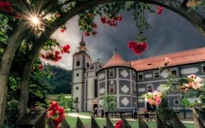 Обои цветы, розы, монастырь, Словения, Slovenia, Олимье, Olimje, Olimje Monastery