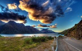 Картинка земля, тучи, горы, природа, дорога, озеро, вода, зелень, облака, небо, трава, река, пейзаж