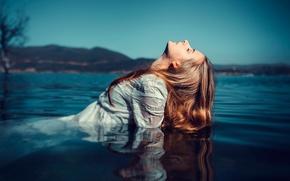 Картинка девушка, отражение, мокрая, в воде