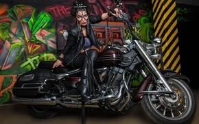 Картинка поза, граффити, модель, сапоги, маска, мотоцикл, байк