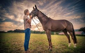 Обои поле, девушка, конь
